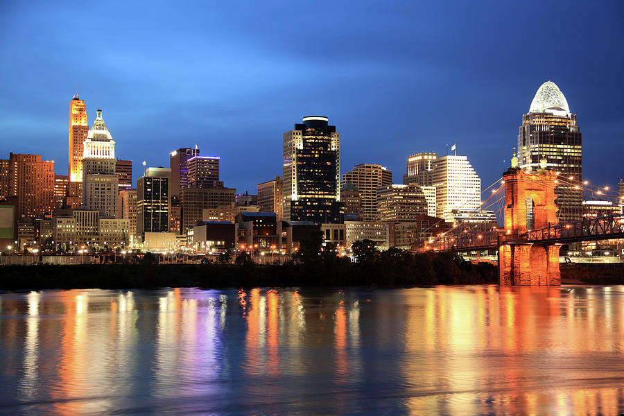 Cincinnati Skyline, Ohio Photograph by Veni