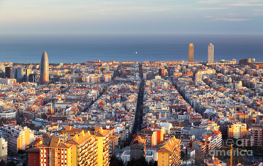 Spain Photograph - Cityscape Of Barcelona, Spain by Ttstudio