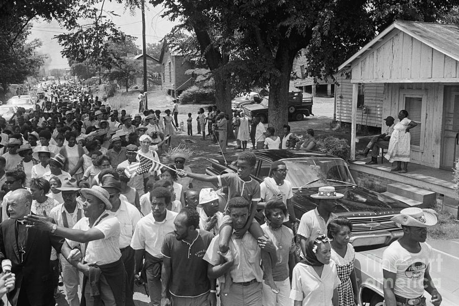 Civil Rights March In Grandada Photograph by Bettmann