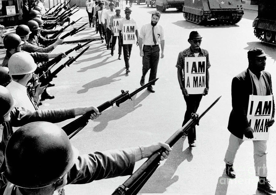 Civil Rights Marchers With I Am A Man Photograph by Bettmann