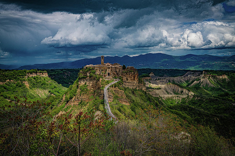 Civita di Bagnoregio by Chris Lord