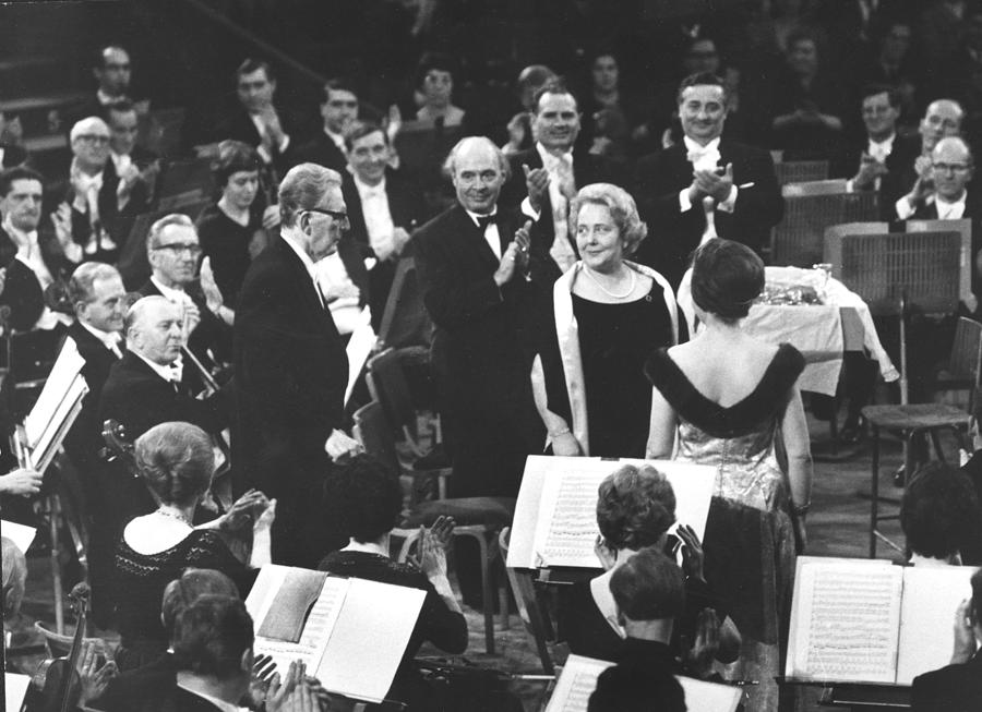 Clapping Musicians Photograph by Erich Auerbach