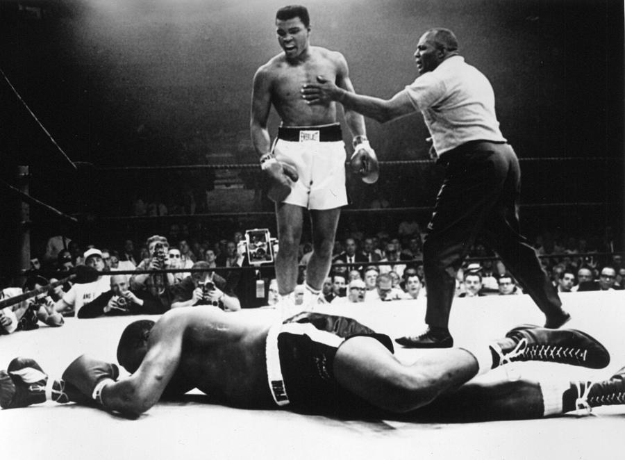 Clay V Liston Photograph by Hulton Archive