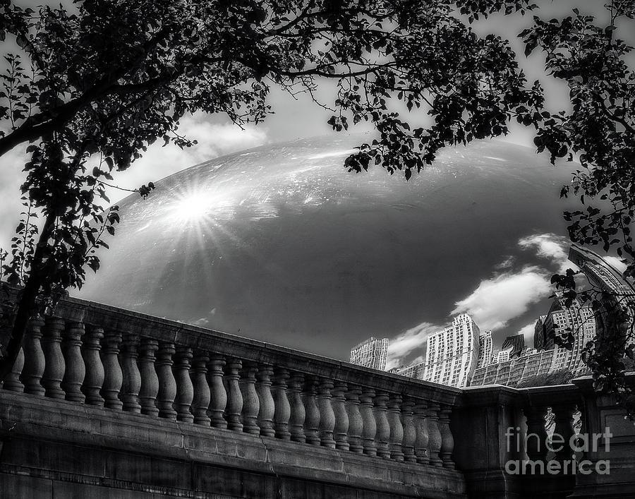 Cloud Gate cityscape by Izet Kapetanovic