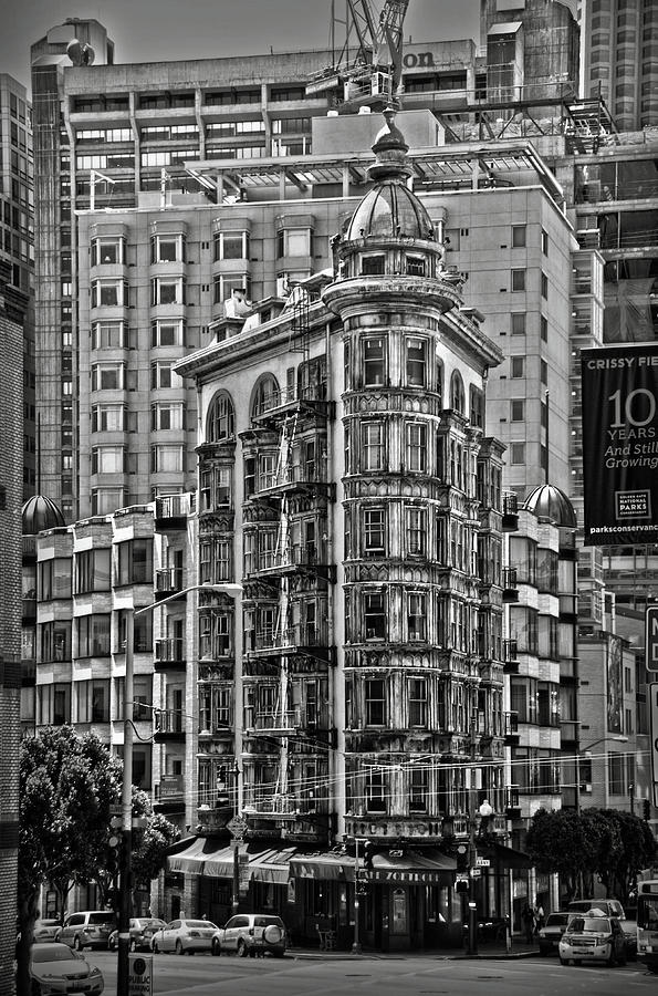 Columbus Tower in San Francisco BW by RicardMN Photography