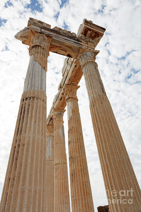 Outdoors Photograph - Columns Of An Ancient Greek Temple by Wladimir Bulgar/science Photo Library