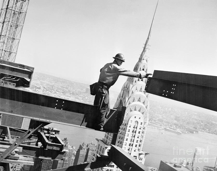 Construction Worker Connecting Steel Photograph by Bettmann