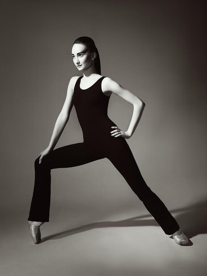 Contemporary Ballet Dancer Photograph by Lambada