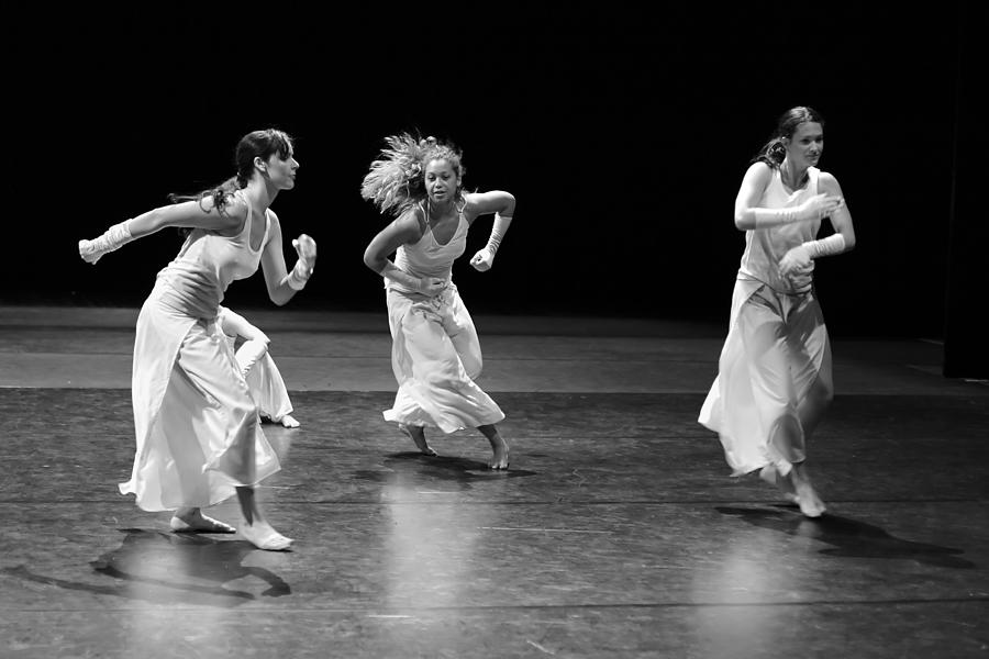 Contemporary Dance Photograph by Elkor