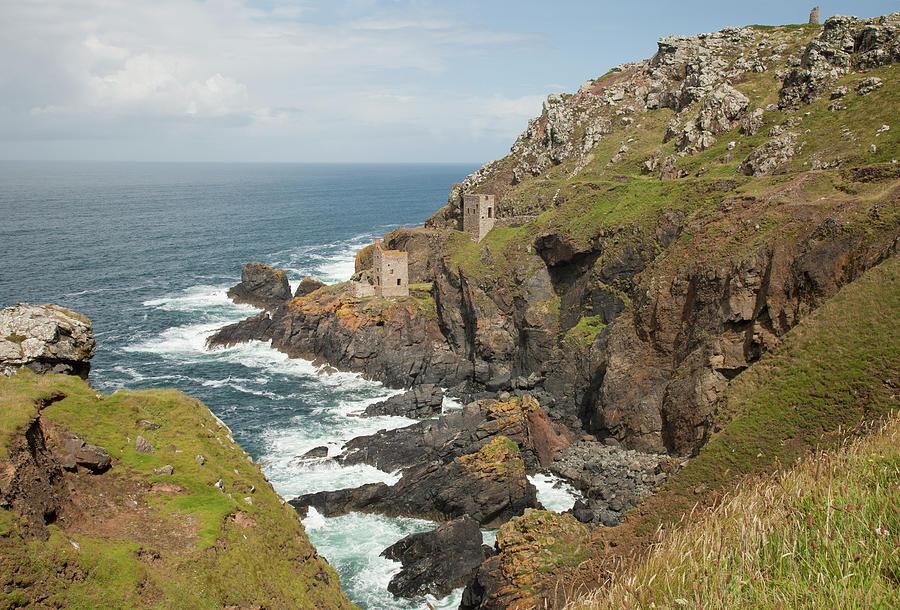 Cornish Coastline Photograph by Paulaconnelly