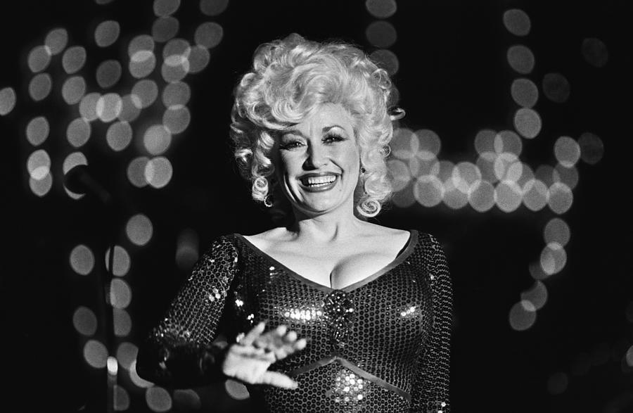 Country Singer Dolly Parton In Concert Photograph by George Rose
