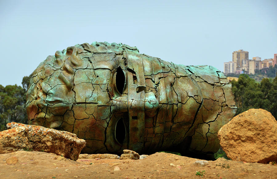 Cracked head in Agrigento by RicardMN Photography