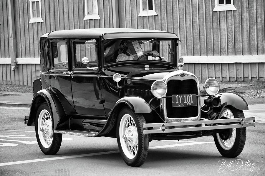 Cruisin A Sedan by Bill Dutting