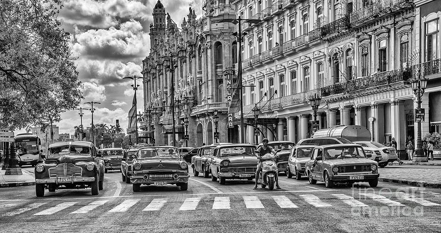Cuba Traffic by Mauro Celotti