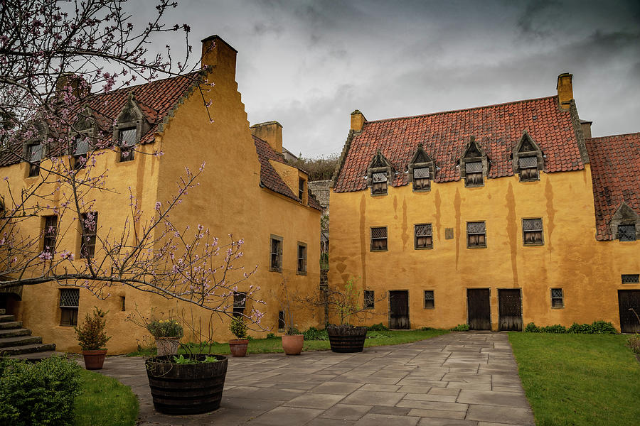 Culross Palace by Ross G Strachan