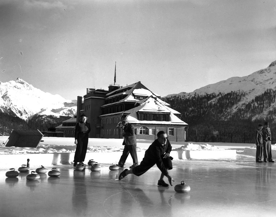 Curling At Christmas Photograph by George Konig