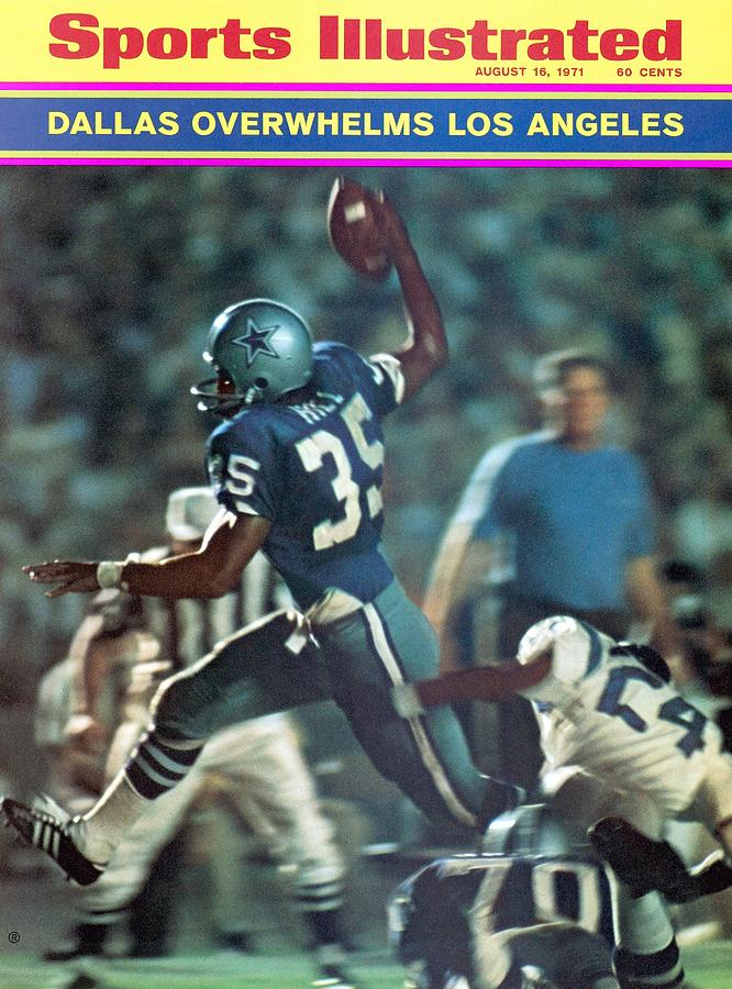 Dallas Cowboys Calvin Hill... Sports Illustrated Cover Photograph by Sports Illustrated