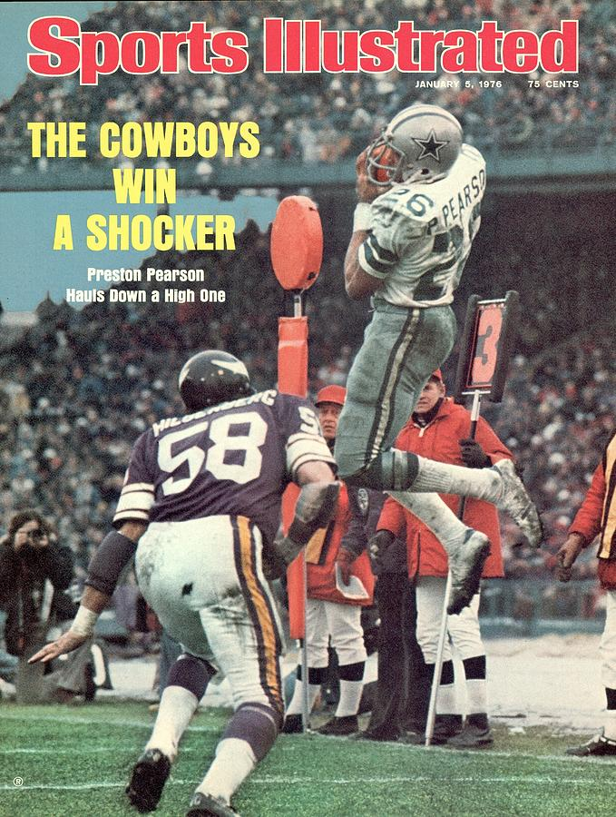 Dallas Cowboys Preston Pearson, 1975 Nfc Divisional Playoffs Sports Illustrated Cover Photograph by Sports Illustrated