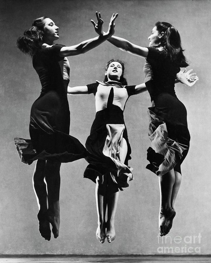 Dancers Performing Celebration Photograph by Bettmann