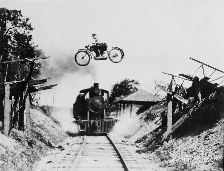 Country Photograph - Dangerous Crossing by Everett Collection