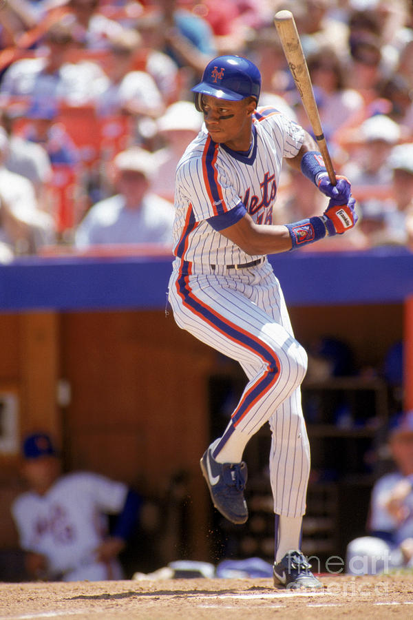 Darryl Strawberry Swings Photograph by Scott Halleran