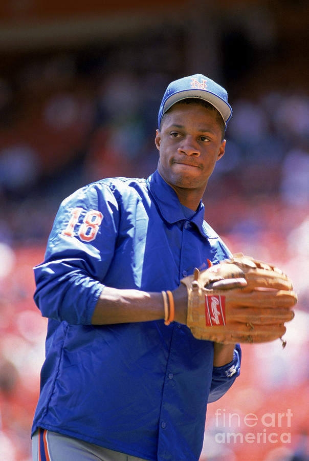 Darryl Strawberry  Throws The Ball Photograph by Otto Greule Jr