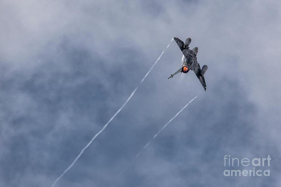 Dassault Mirage 2000 D by Hernan Bua