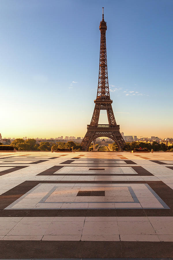 Paris Photograph - Dawn At Eiffel by Andrew Soundarajan