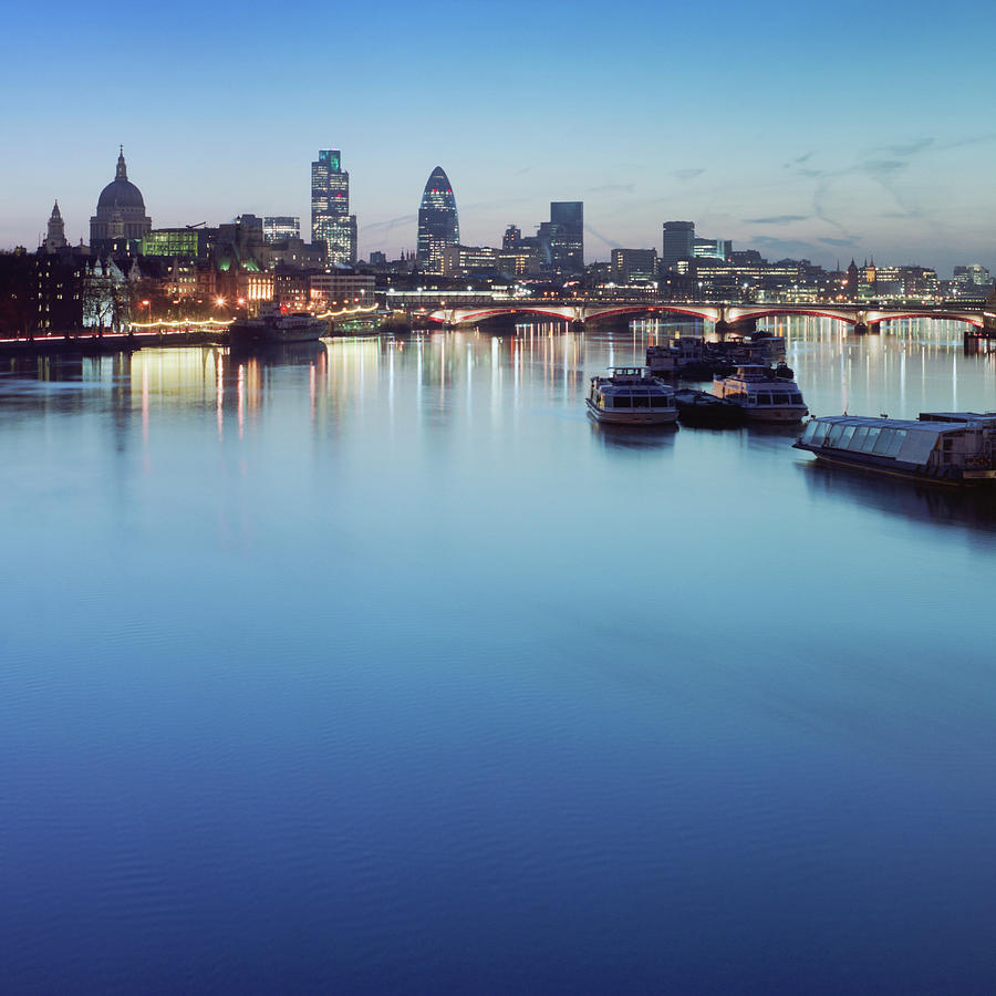 Dawn On The Thames Xxl Photograph by Beholdingeye