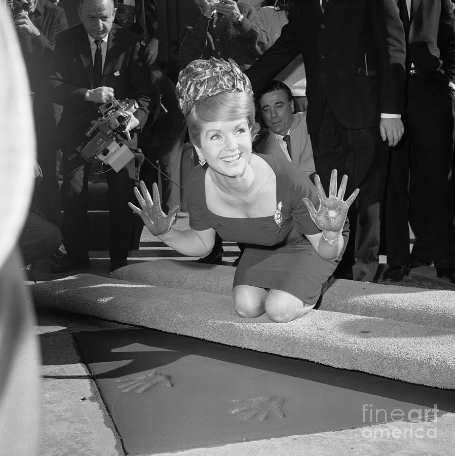 Debbie Reynolds Pressing Hands Photograph by Bettmann