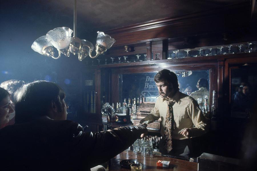 Derek Sanderson Behind The Bar Photograph by Art Rickerby