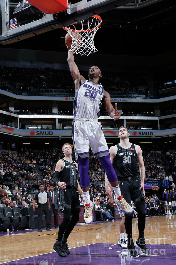 Detroit Pistons V Sacramento Kings Photograph by Rocky Widner