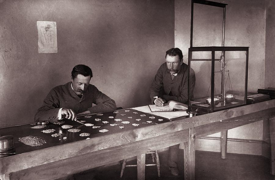 Diamond Office Photograph by Robert Harris
