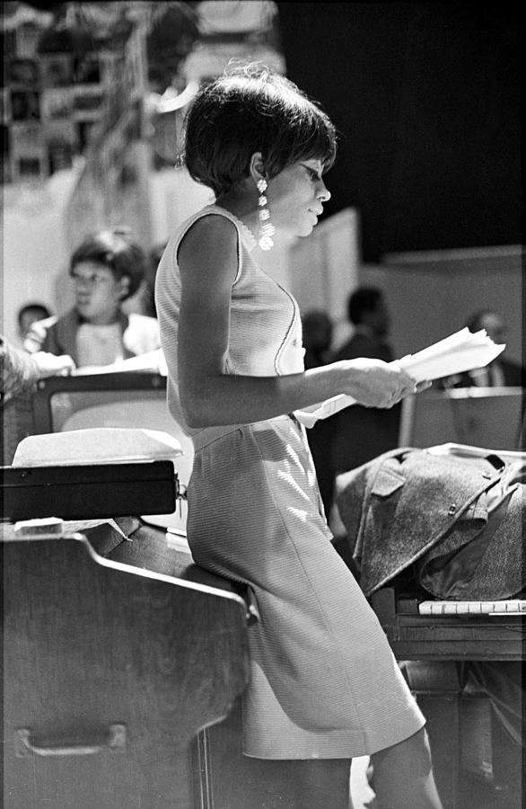 Diana Ross On Hullabaloo Photograph by Michael Ochs Archives