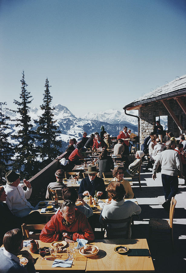 Dining In Gstaad Photograph by Slim Aarons