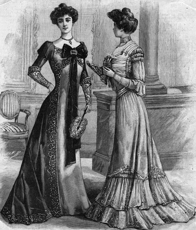 Dinner Gowns Photograph by Hulton Archive