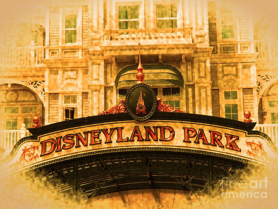 Disneyland Park in Paris by Jurgen Huibers
