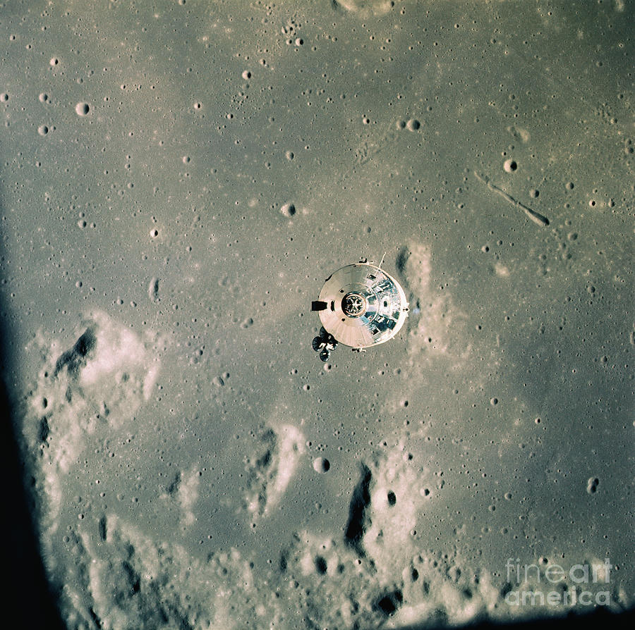 Distant View Of The Command Module Photograph by Bettmann