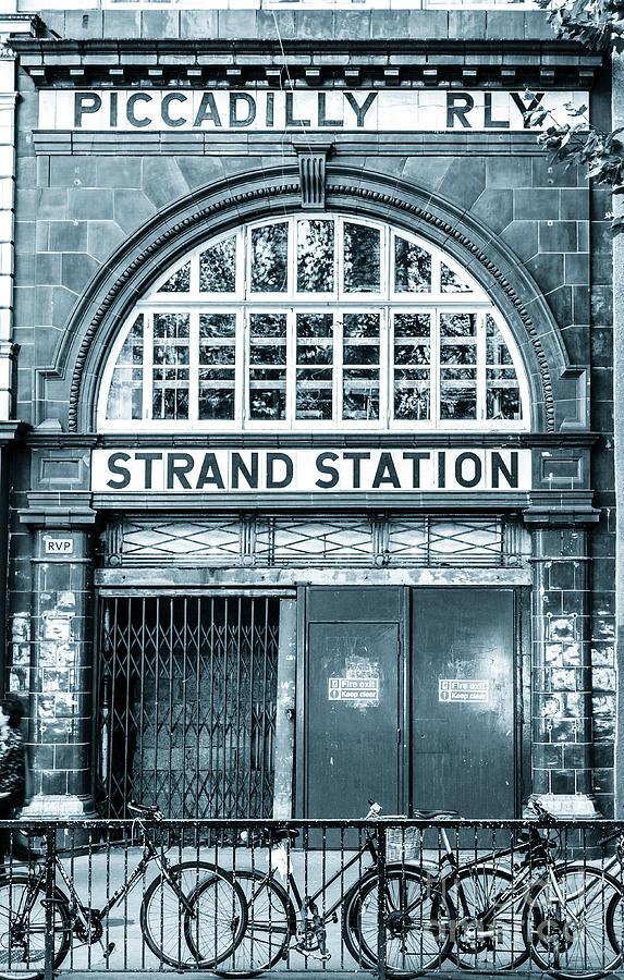 Disused Strand Underground station by Peter Noyce