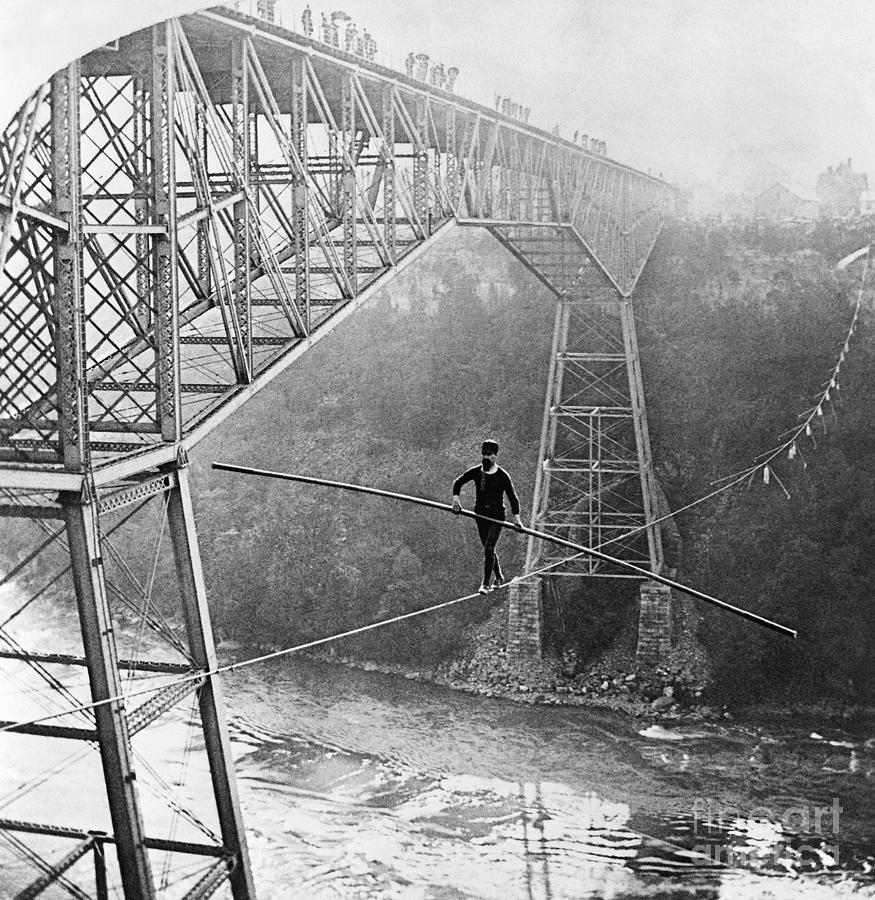 Dixon Crossing Niagara On A Tightrope Photograph by Bettmann