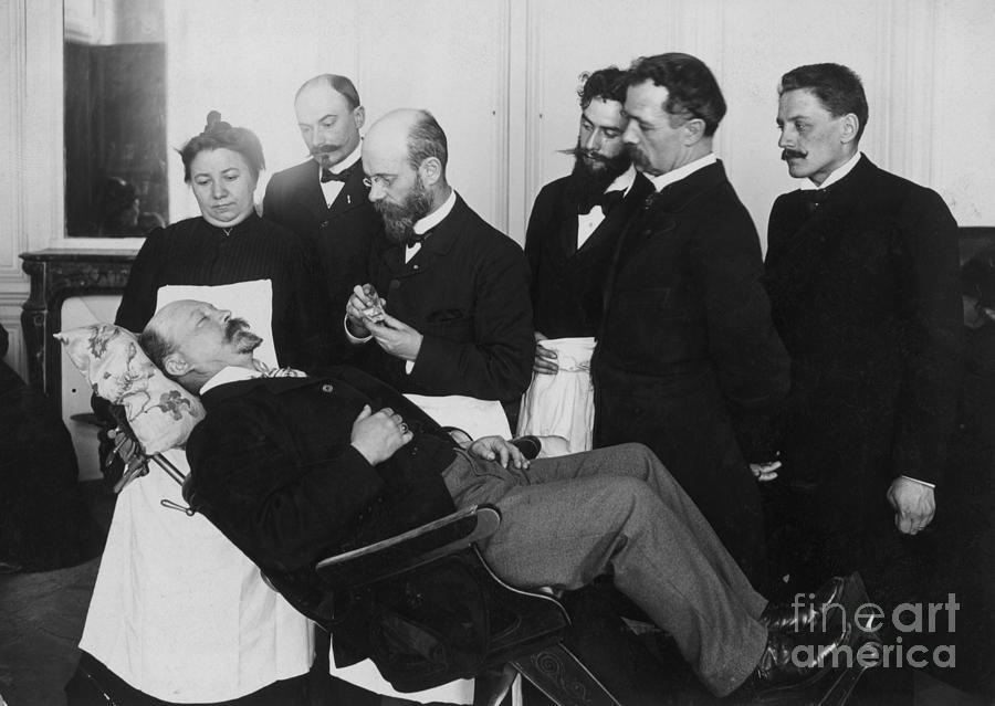 Doctors Watch Hypnotist Put Patient Photograph by Bettmann