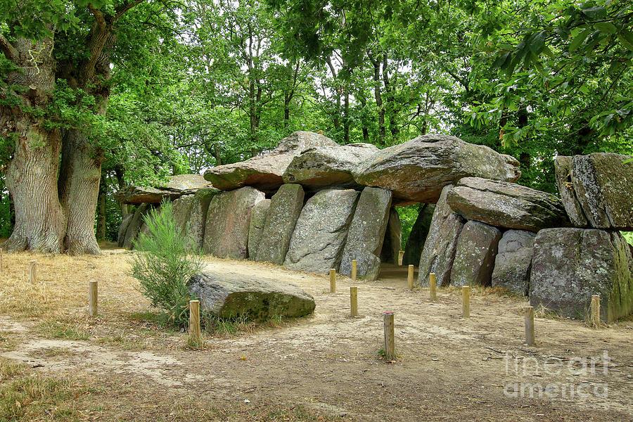 Dolmen La Roche-aux-Fees - the most famous dolmens in Brittany by Michal Boubin