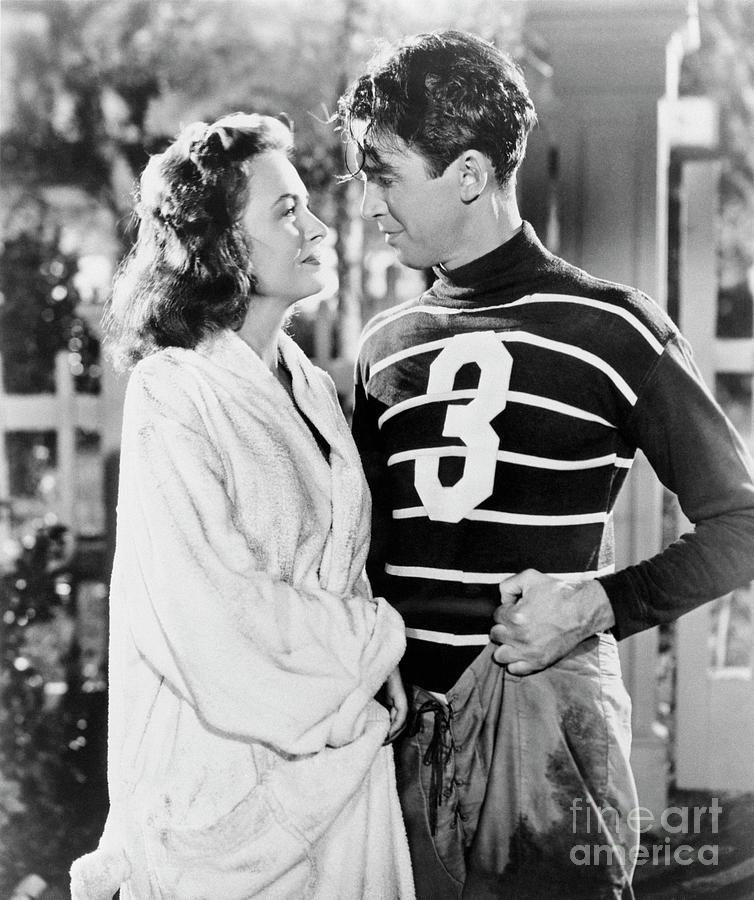 Donna Reed And James Stewart Photograph by Bettmann