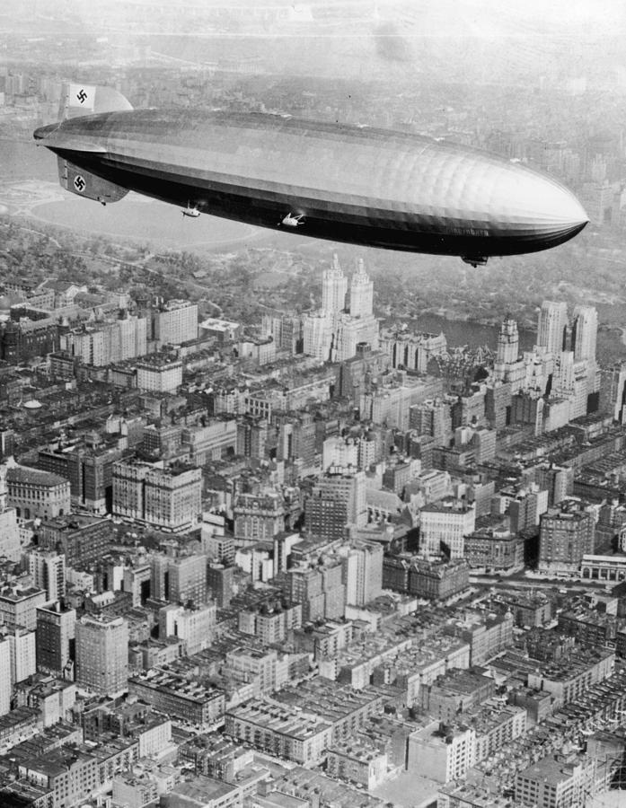 Doomed Airship Photograph by Hulton Archive