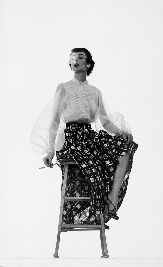 Dorian Leigh Models Photograph by Gjon Mili