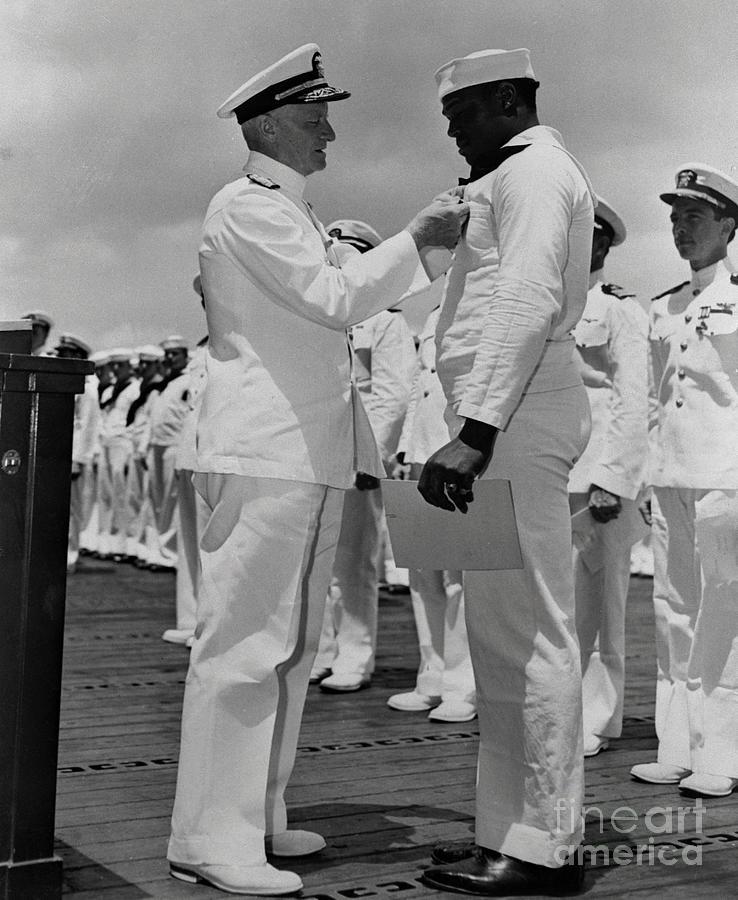 Dorie Miller Receiving Navy Cross Photograph by Bettmann