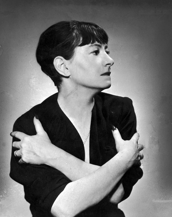 Dorothy Parker Photograph by Hulton Archive