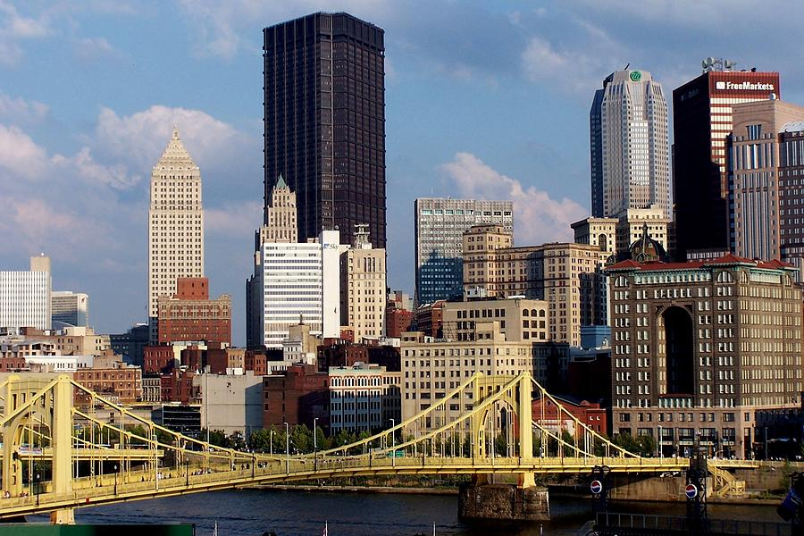 Downtown Pittsburgh Panorama From Pnc Photograph by Photo By Paul D. Toth
