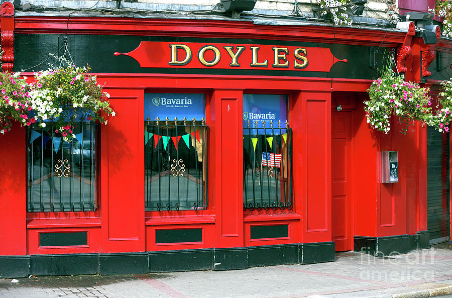 Doyles Photograph - Doyles Pub Dublin by John Rizzuto