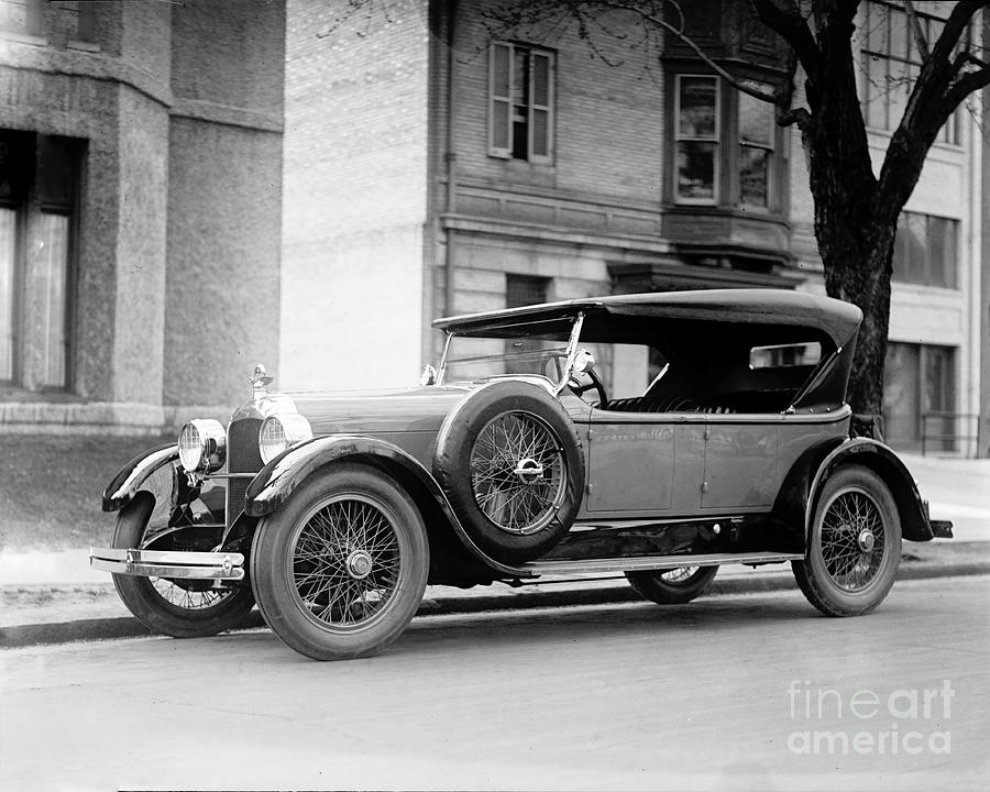 Duesenberg 1923 by Carlos Diaz